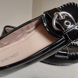 3/$30 Girls Nine West Patent Leather Flats/Loafers